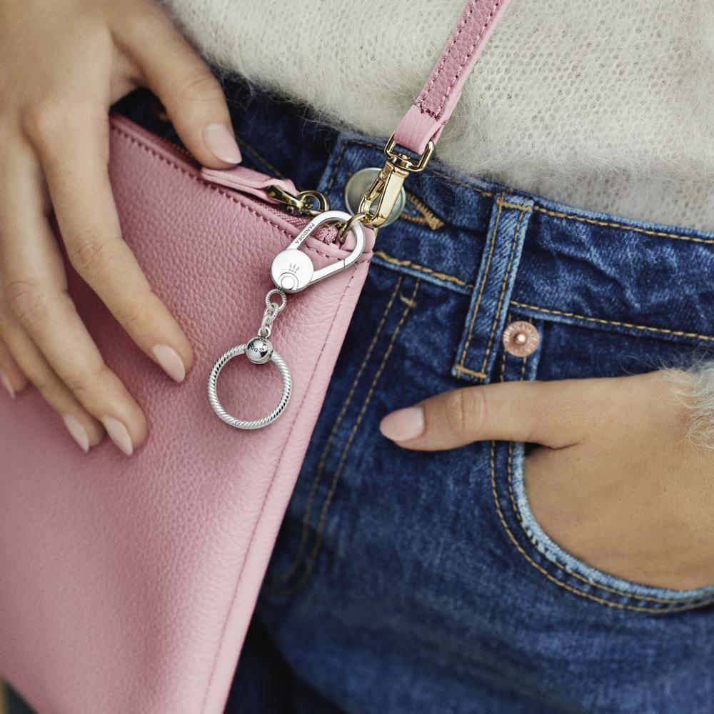 Аксесуар для сумки з маленьким кулоном Pandora O — фото 4